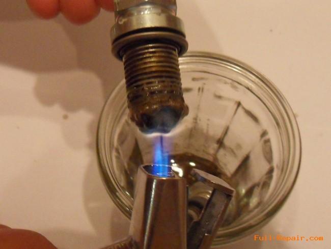 Очистка свечи в кислоте с нагреванием
